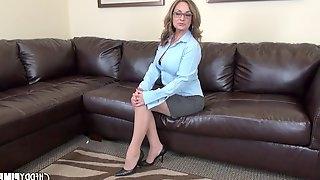 Milf Rebecca Bardoux masturbates in sexy glasses