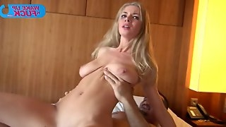 Busty blonde girl opens both holes to get double penetrated