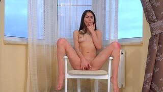 Homemade solo video of adorable Delphina pleasuring will not hear of fanny